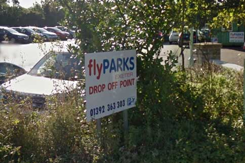 Exeter-Airport-Flyparks-Signage
