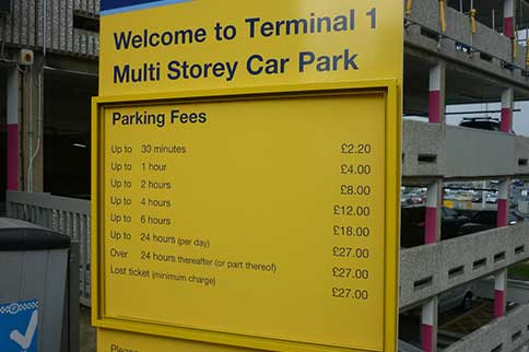 Manchester-Airport-Multi-Storey-T1-Signage